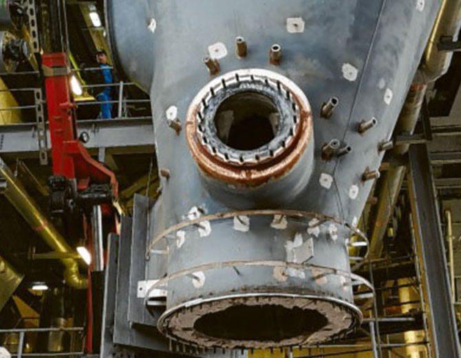 Alter Vergaser im Holzgaskraftwerk in Senden